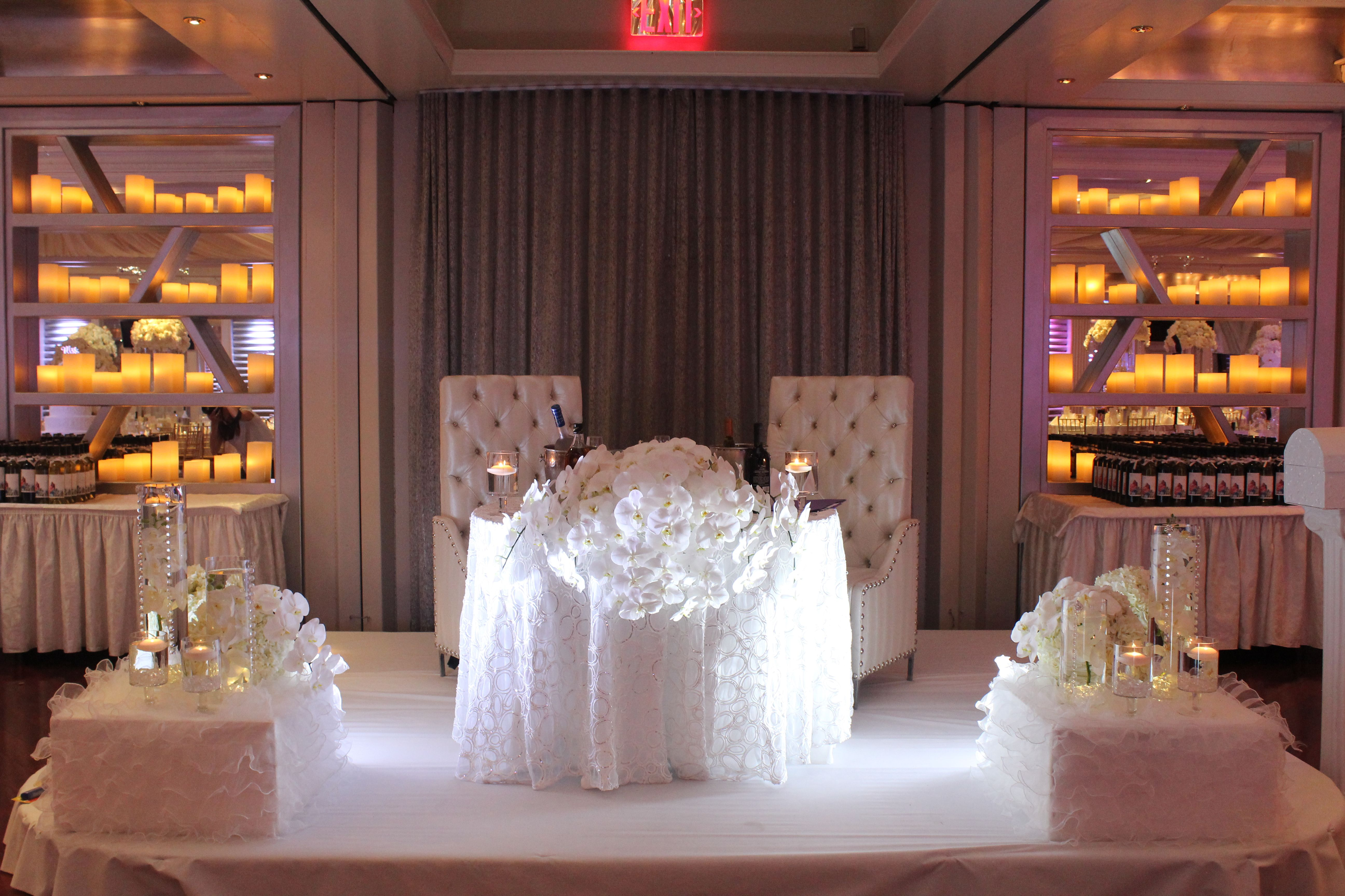 Superb White Orchids Dais Table Chateau Briand Tofny.com