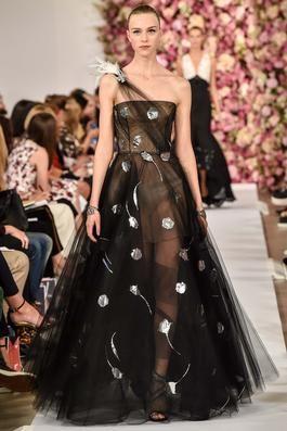 Oscar de la Renta Spring 2015 Ready-to-Wear Fashion Show: Complete Collection - Style.com