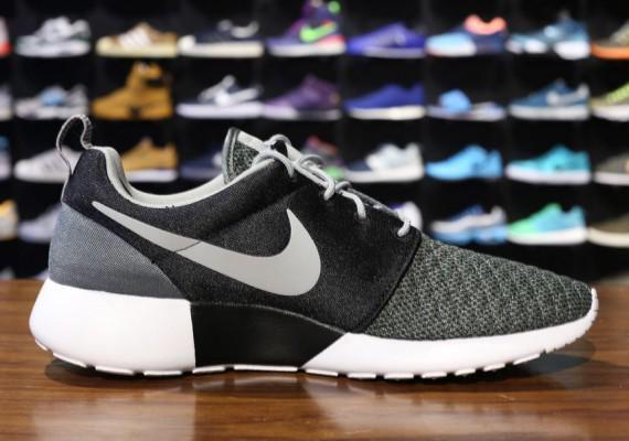 black/grey/white Nike Roshes