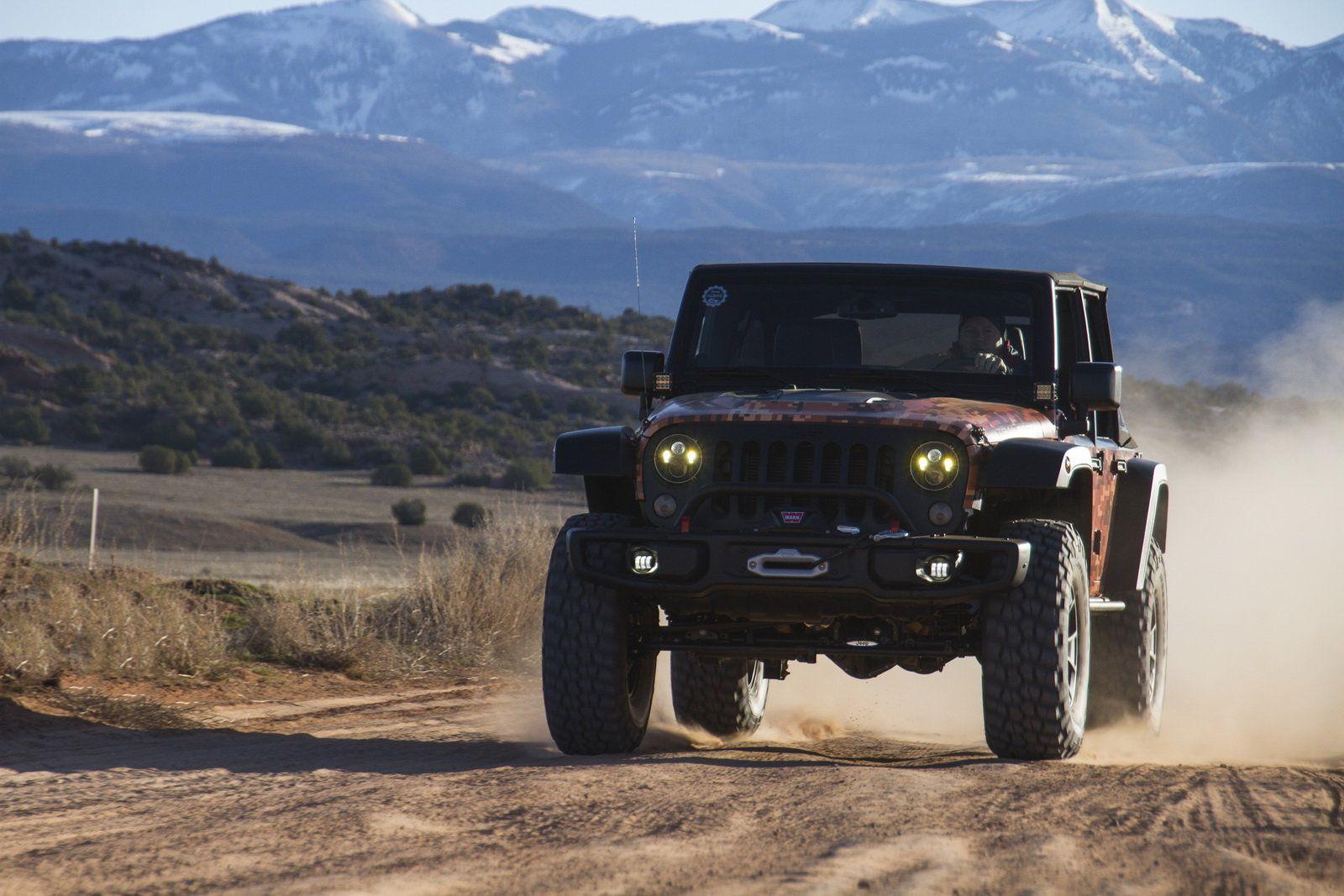 Foto - Tra i canyon dello Utah con i prototipi della Jeep