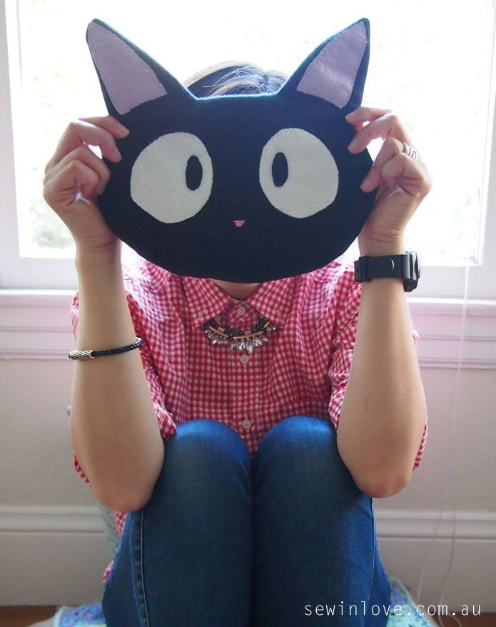 Growing up in Japan, Studio Ghibli's movie, Kiki's Delivery Service was my absolute favourite. I even had a haircut just like Kiki, and of course, I wished that I had a talking cat like Jiji! As part of Sew Geeky's Ghibli Episode, I've decided to make a c  To get 15% off my ebooks use this code: PINTEREST15
