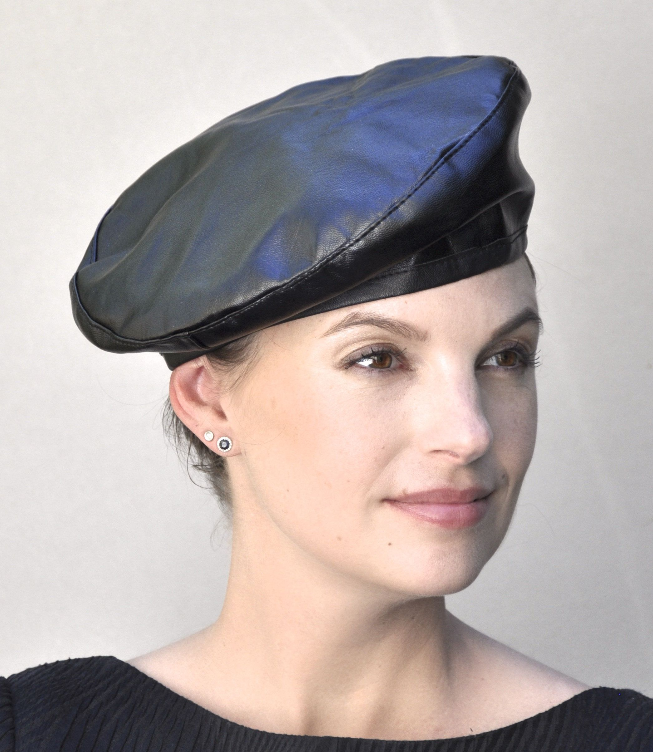 f851d51403bed Leather Beret