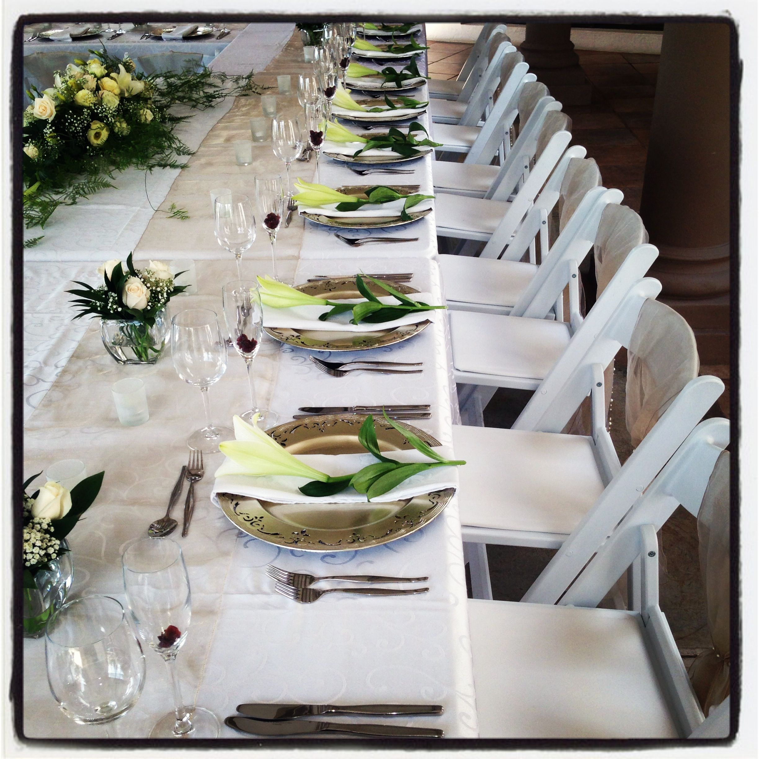Simple but effective table setting. Very elegant | Wedding - Main ...