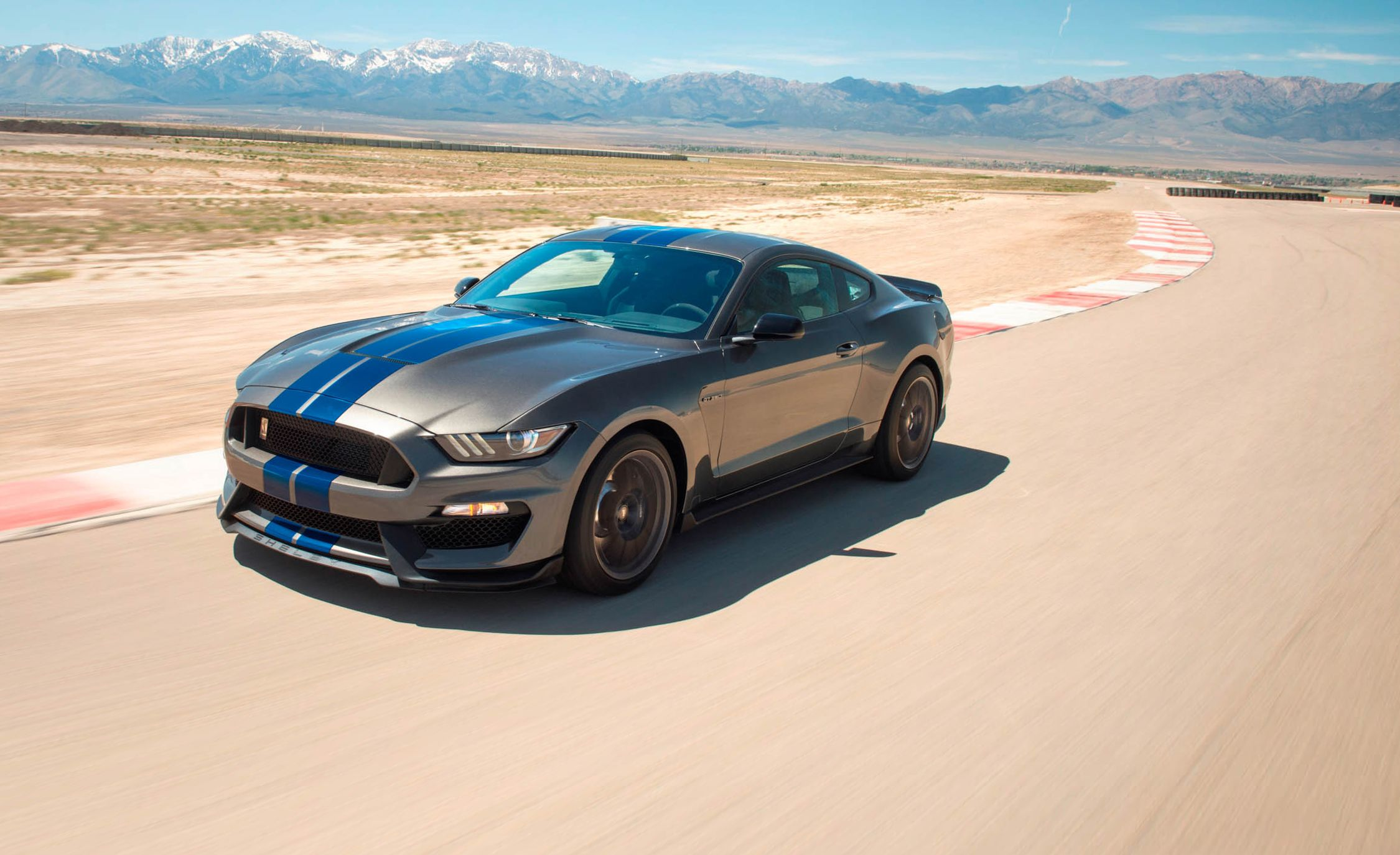 2018 Ford Mustang Shelby GT350 Pictures | Photo Gallery | Car and ...