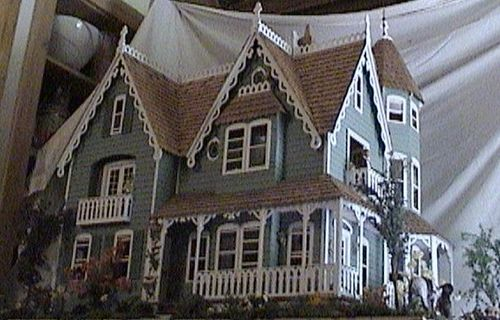 The Garfield Dollhouse. Greanleaf kit.