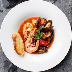 Zuppa Di Pesce Wloska Zupa Rybna Z Owocami Morza Blog Kwestia Smaku Italian Recipes Authentic Gastronomic Food Food