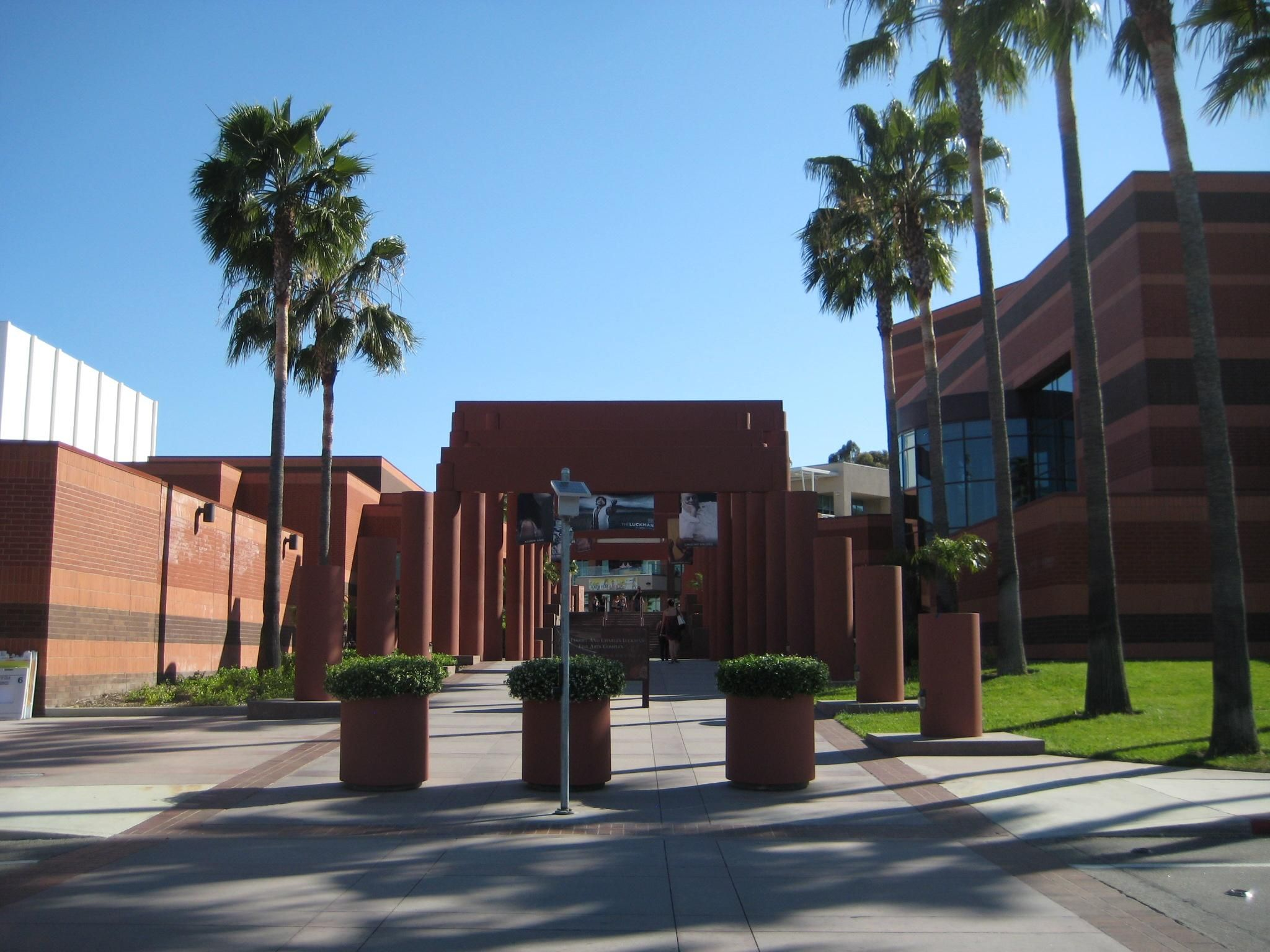 California State University Los Angeles Ca For More Information Go To Www Ultimateuniversities Com California State University California