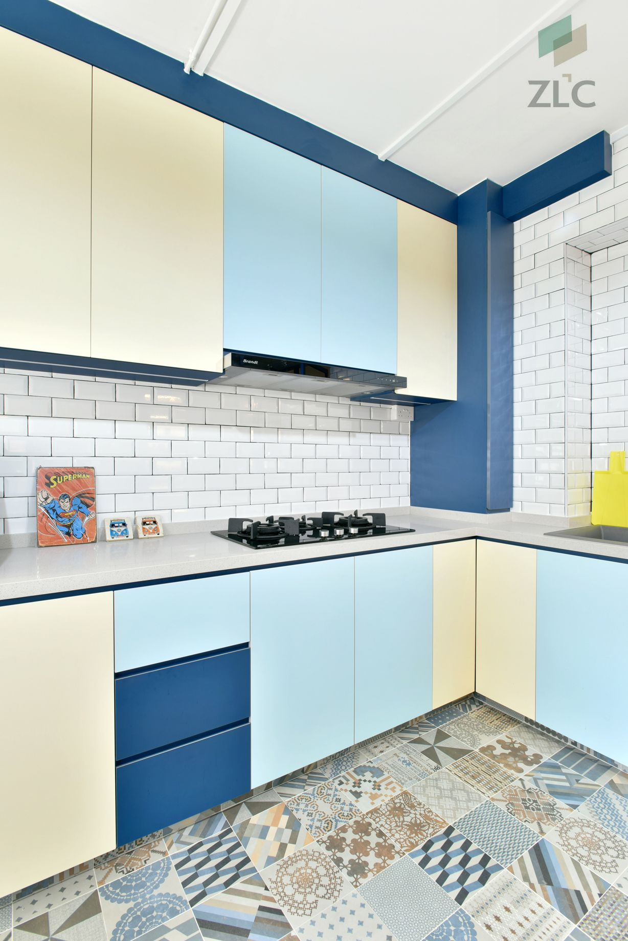 Pasir Ris Dr 4 Ea Hdb Yellow Kitchen Designs Kitchen Design Images Kitchen Design Gallery