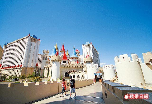 石中劍酒店賭場,仿若一座巨大的歐式城堡。