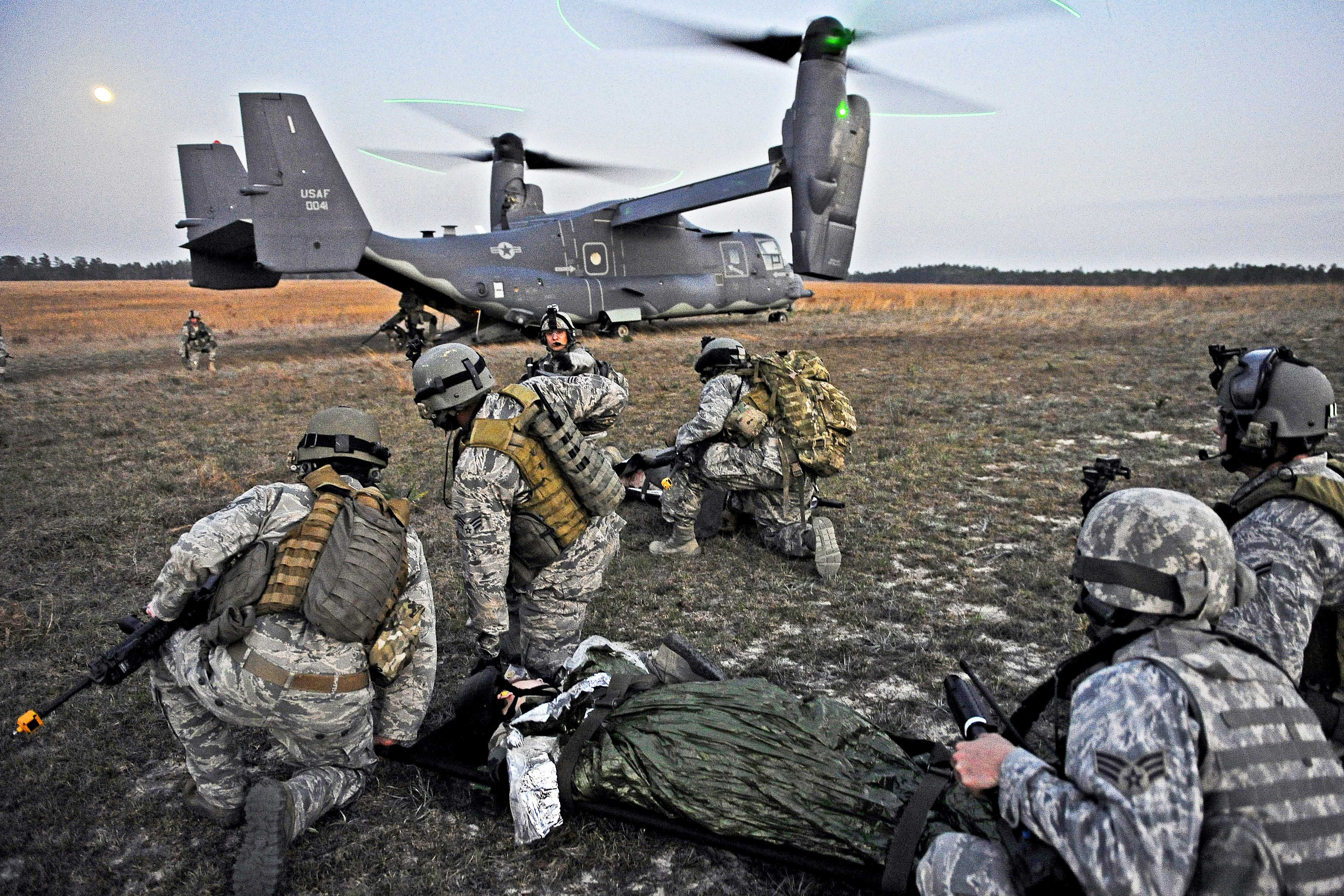 Cv 22 Osprey With Troops