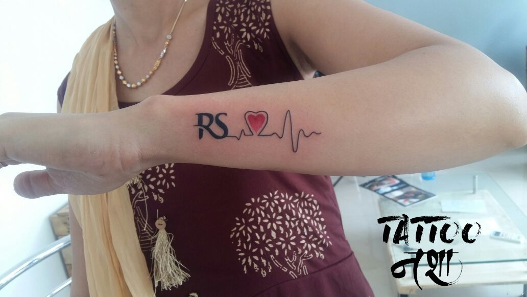 Name Tattoo Heartbeat Tattoo Name With Hearteat Tattoo Heartbeat Tattoo Design By Ravi Sharma T Heartbeat Tattoo Design Heartbeat Tattoo Couple Tattoos Unique