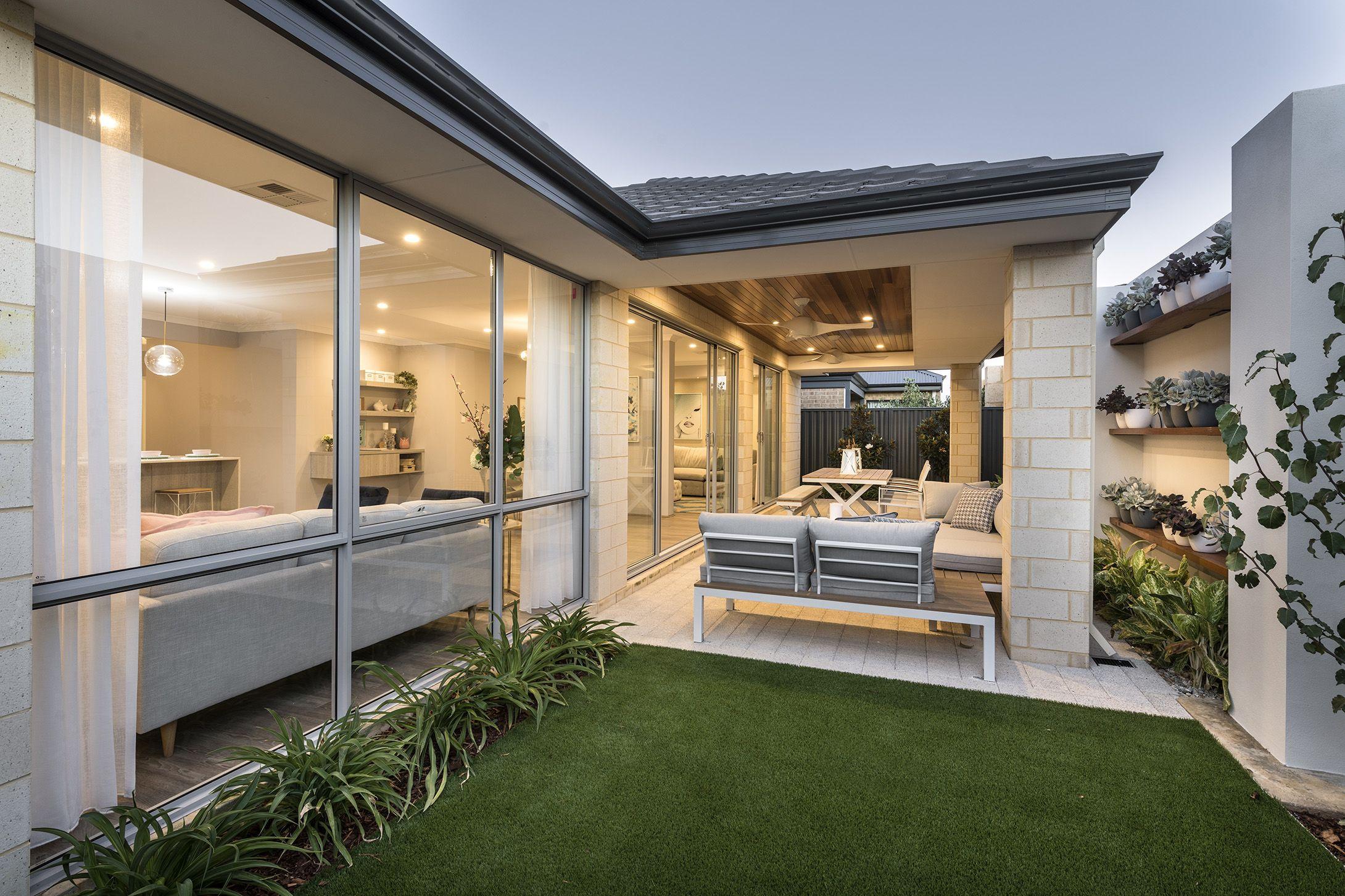 Cream Brick Exterior Ideas Limestone House Brick Exterior House Exterior Brick