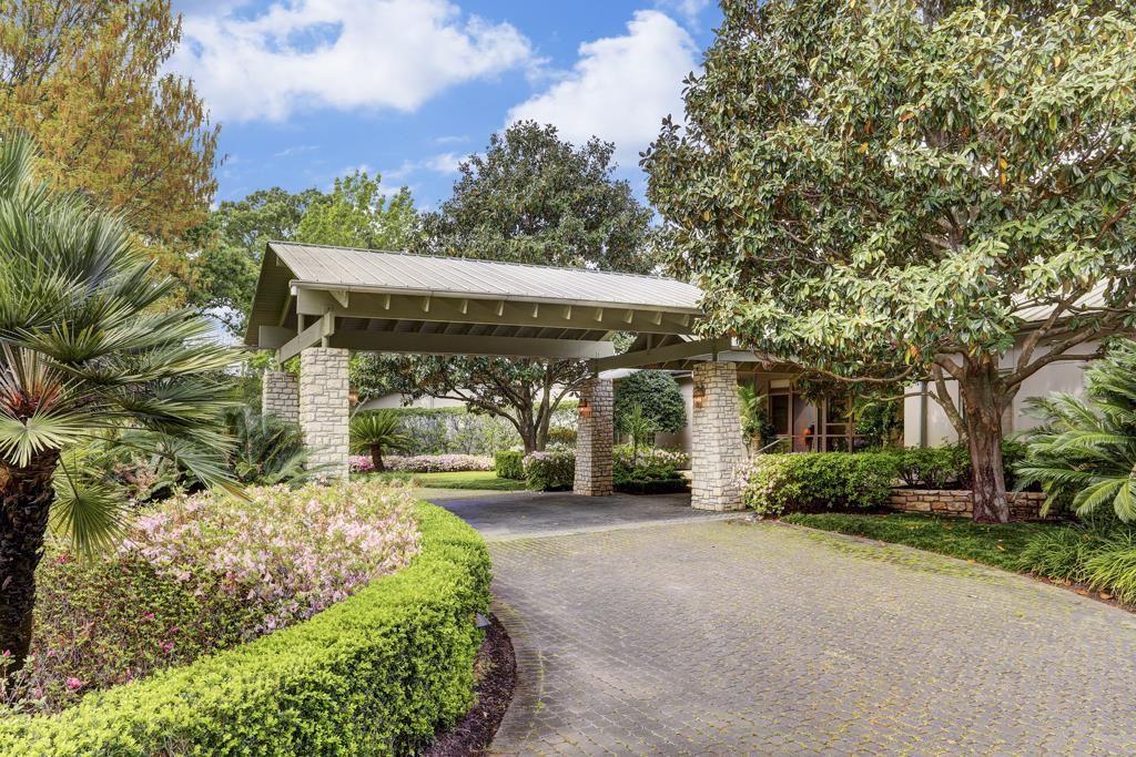 Porte Cochere Circular Drive 4 Acre Estate In Piney
