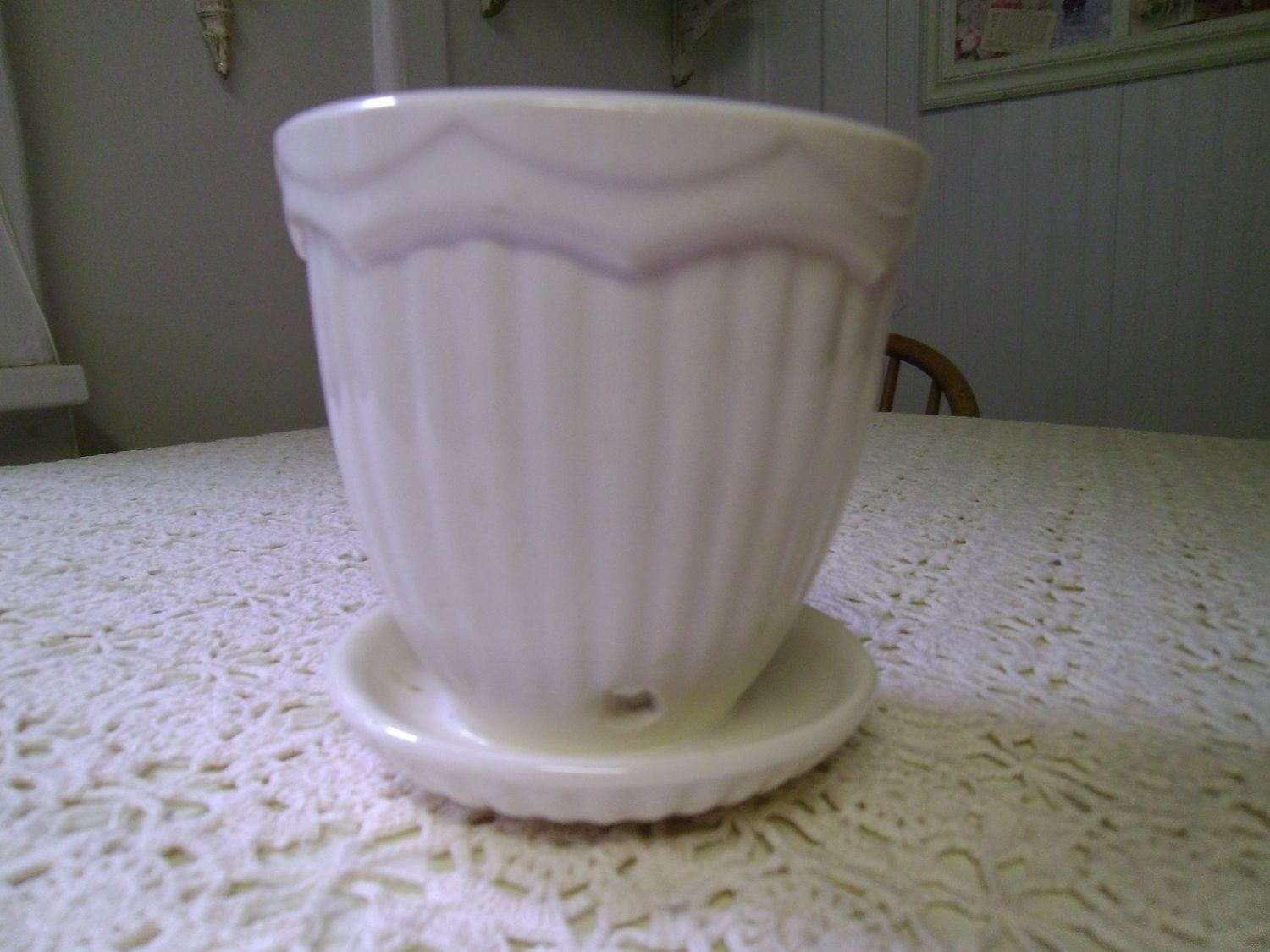 Vintage Flower Pot With Attached Saucer Vintage Flower Pots Flower Pots Vintage Pottery