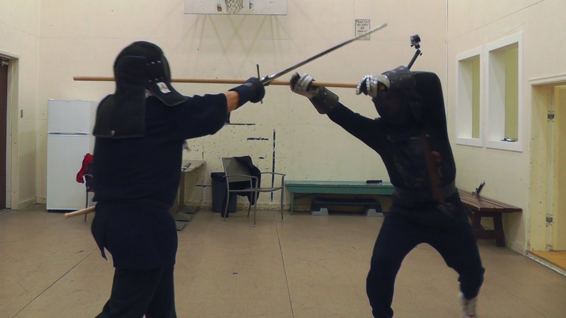 Experimenting with staff techniques (vs  longsword