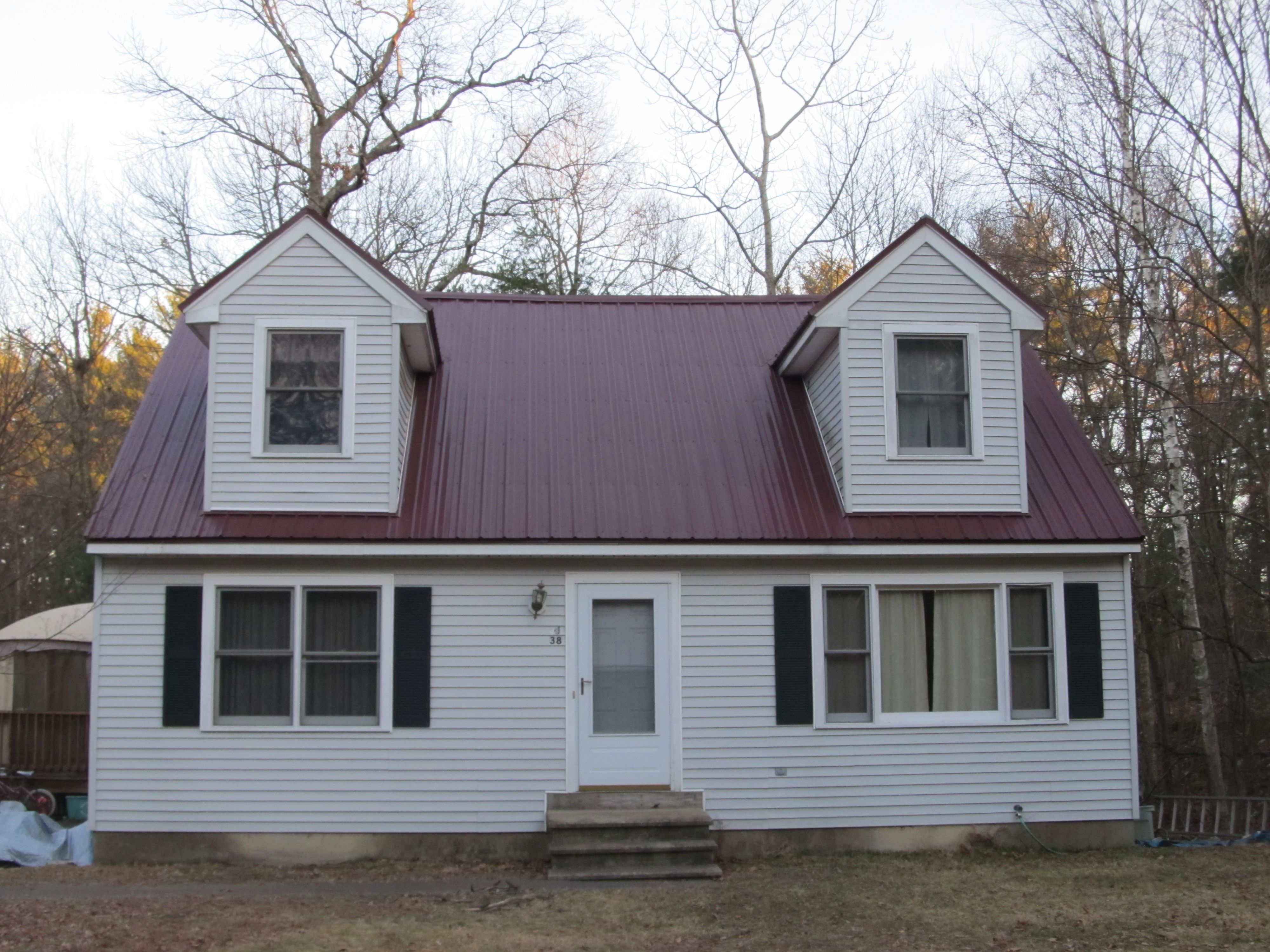 Best Burgundy Metal Roof Colors Metal Roof Colors Red Roof 400 x 300
