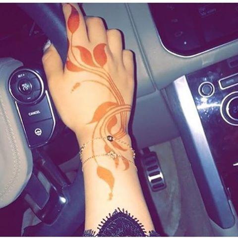 نجران On Instagram الراعي الرسمي لحسابي كهرمان للذهب Kahraman Gold Hudabeauty Hudabeauty Henna Henna Art Uae حنه حناء حنا نقش حنا Henna Mehndi