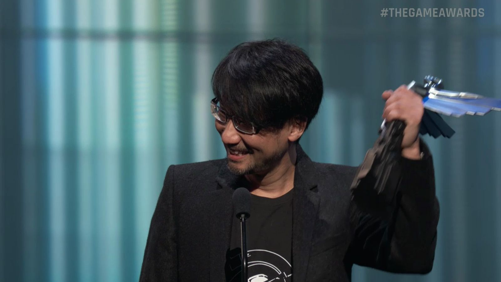 Kojima takes Game Awards stage in triumph - Polygon