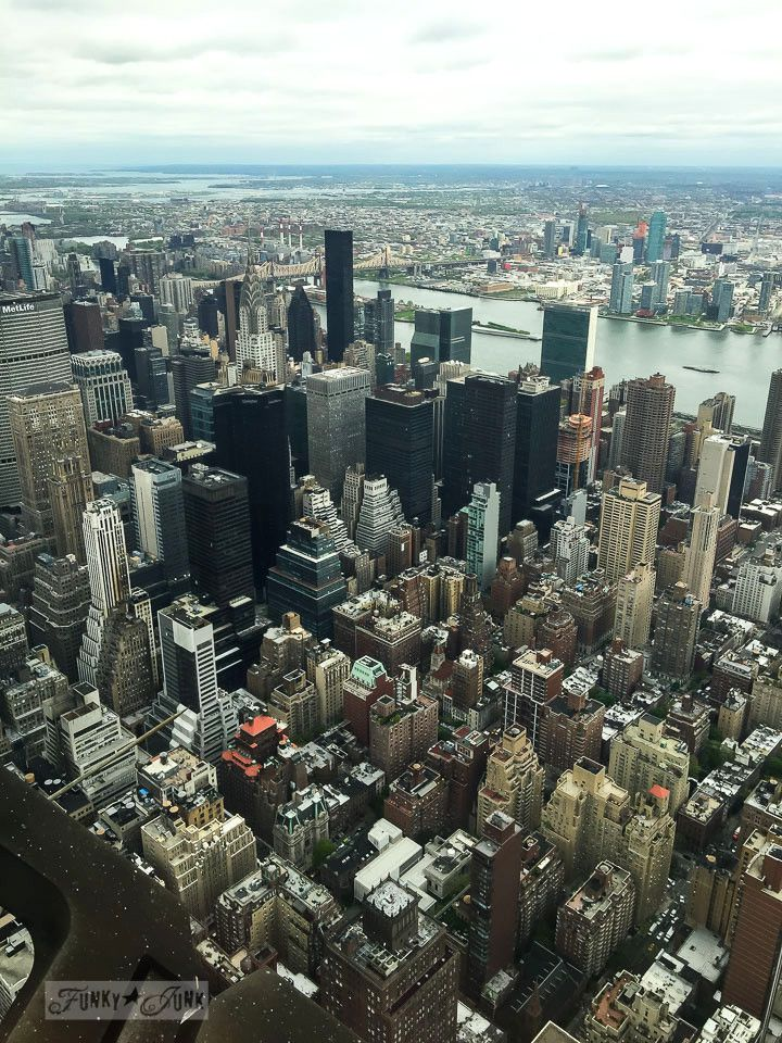 Things to see & do in New York City - Empire State Building, Macy's wooden escalator, and Big Daddy's. @FunkyJunkDonna.