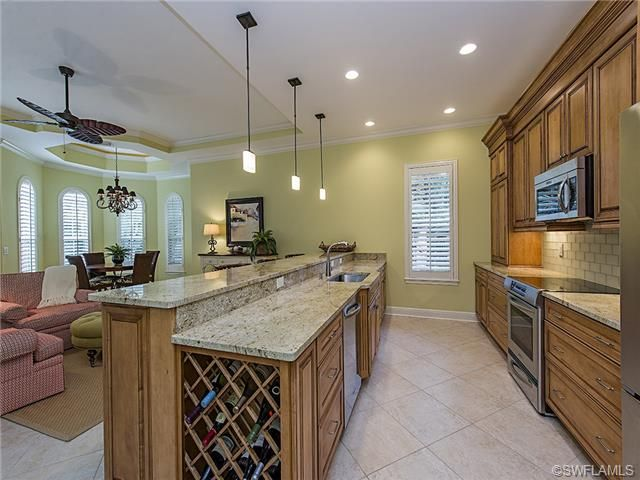 Naples golf condo kitchen - Grey Oaks in Naples, FL