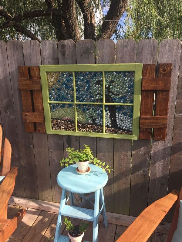 How to Create Garden Art With Flat Marbles DIY