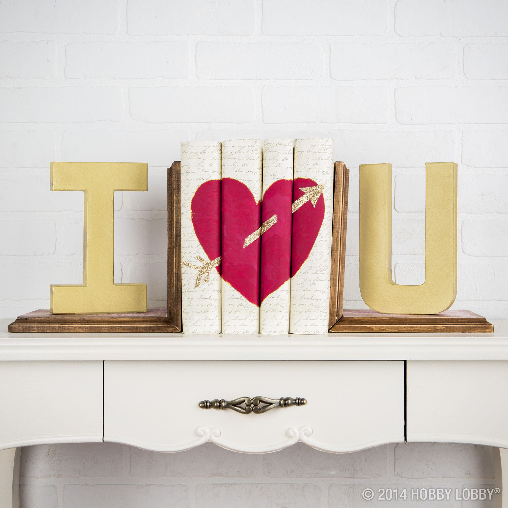 Decorating your home for Valentine\'s Day? Create this book end with ...