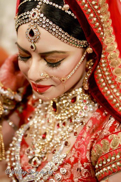 Best Beauty Parlours For Bridal Makeup In Dhaka Bangladesh Bridal Makeup Bengali Bridal Makeup Bridal Makeover