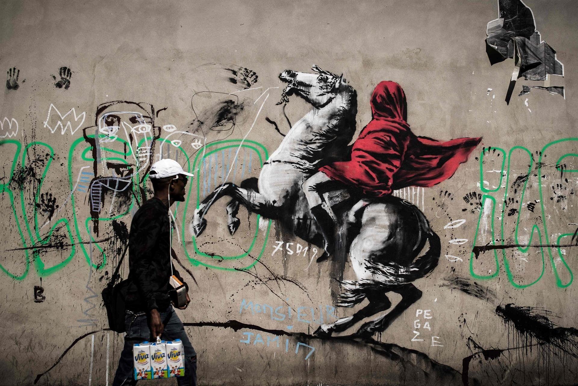 Banksy Graffiti Concrete Urban Horse Men Wall 1080p Wallpaper Hdwallpaper Desktop In 2020 Banksy Street Art Banksy Artwork
