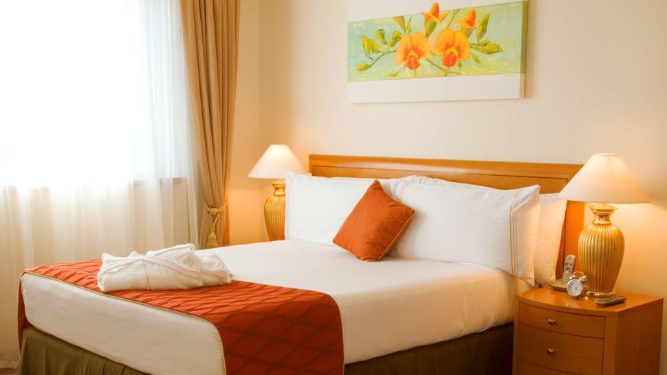 Fabulous Orange Bedroom Decorating Ideas and Designs | Orange ...