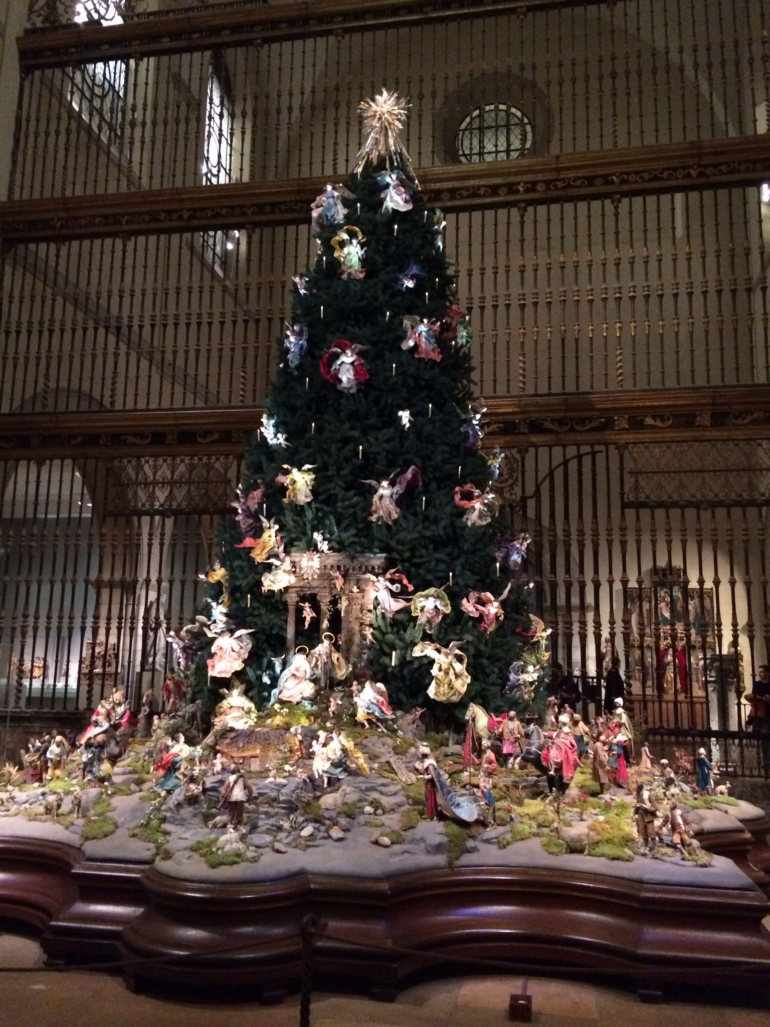 BAROQUE CHRISTMAS TREE~ Metropolitan Museum of Art, NYC. Magnificent ...
