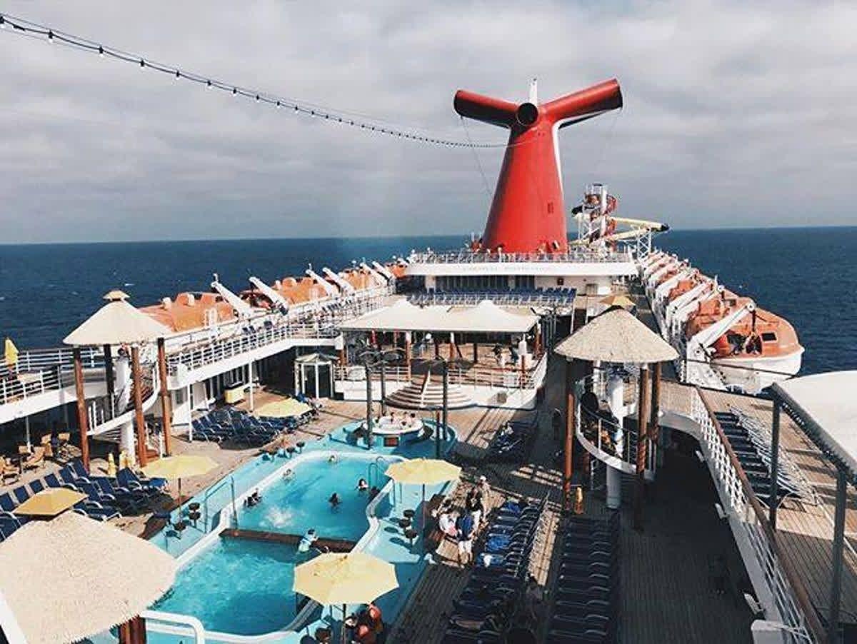 una ciudad que cada año recibe a miles de turistas que vienen en cruceros a conocer y vivir experiencias únicas e increíbles inicia tu aventura en Av...