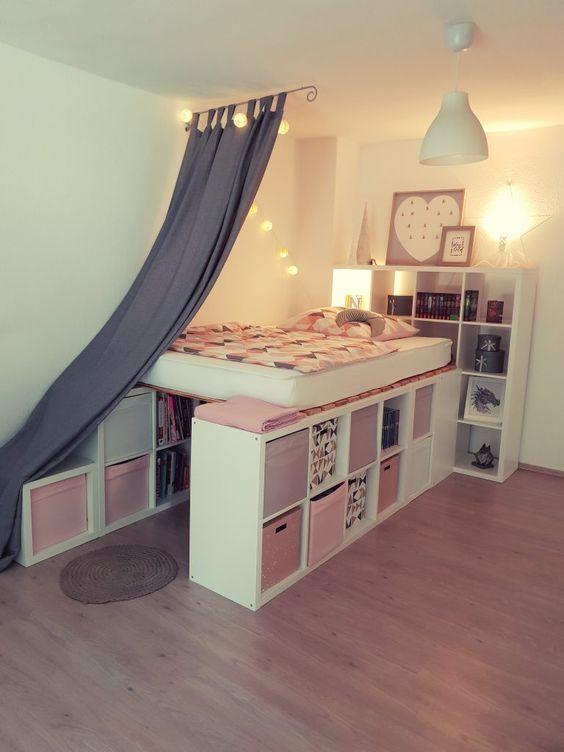 ein hochbett aus ikea kallax regalen bett in 2019. Black Bedroom Furniture Sets. Home Design Ideas