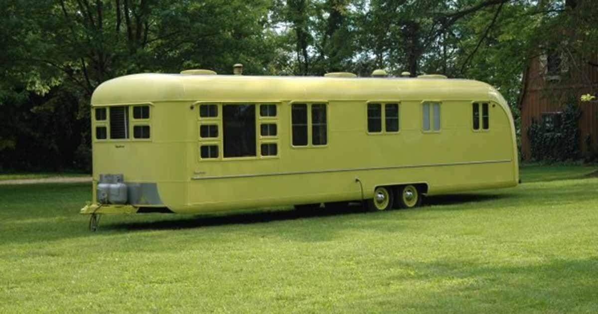 Campingvognen har stået uberørt i 63 år. Når jeg åbner døren og kigger ind? Jøsses!