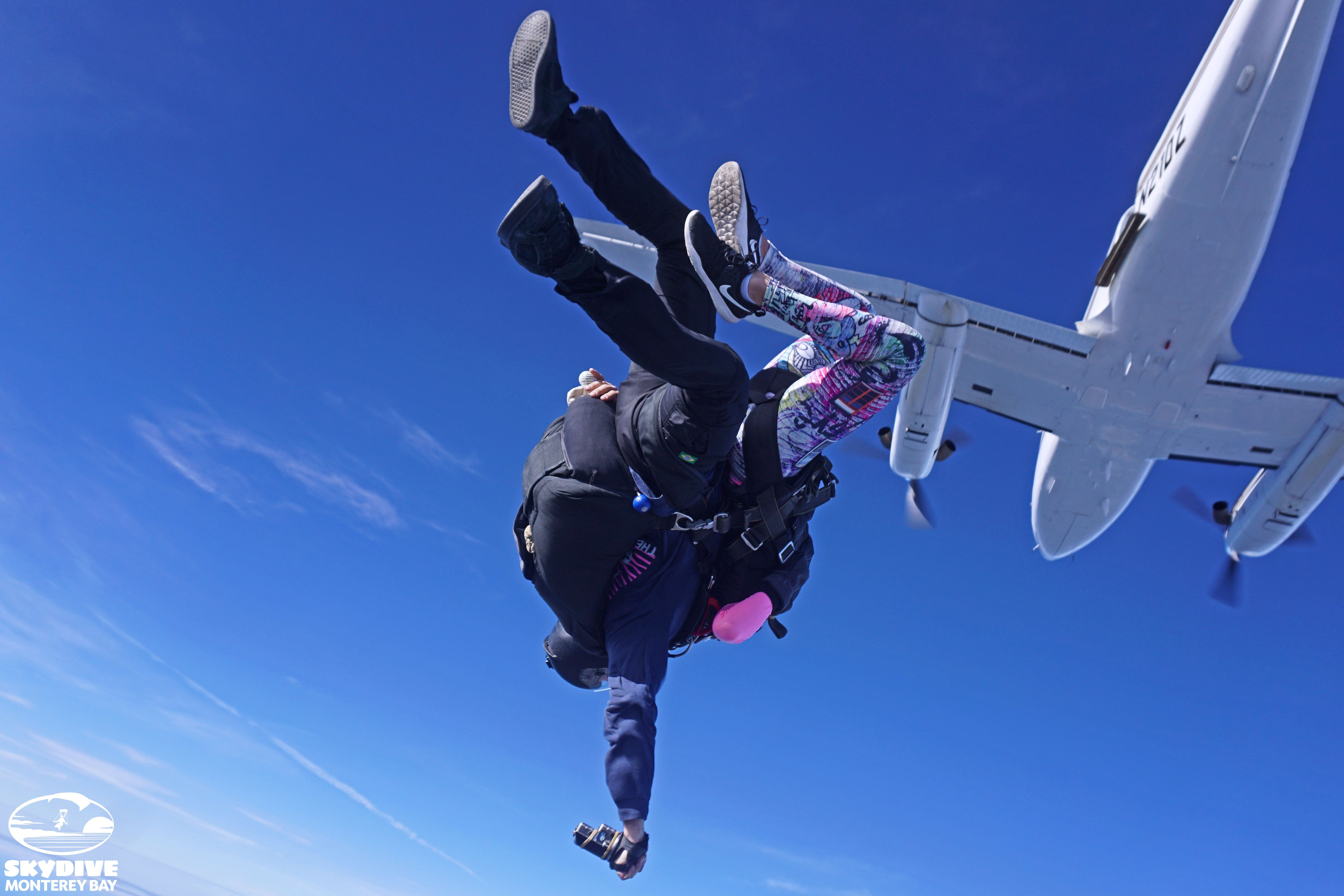 Best Colors To Wear For Skydiving Skydiving Experience Skydiving Paragliding