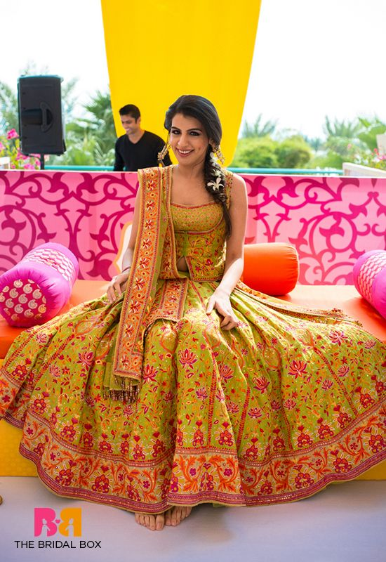 8ffffc7bea Top 11 Bridal Mehndi Dresses For The Beautiful Bride-To-Be | Fashion ...