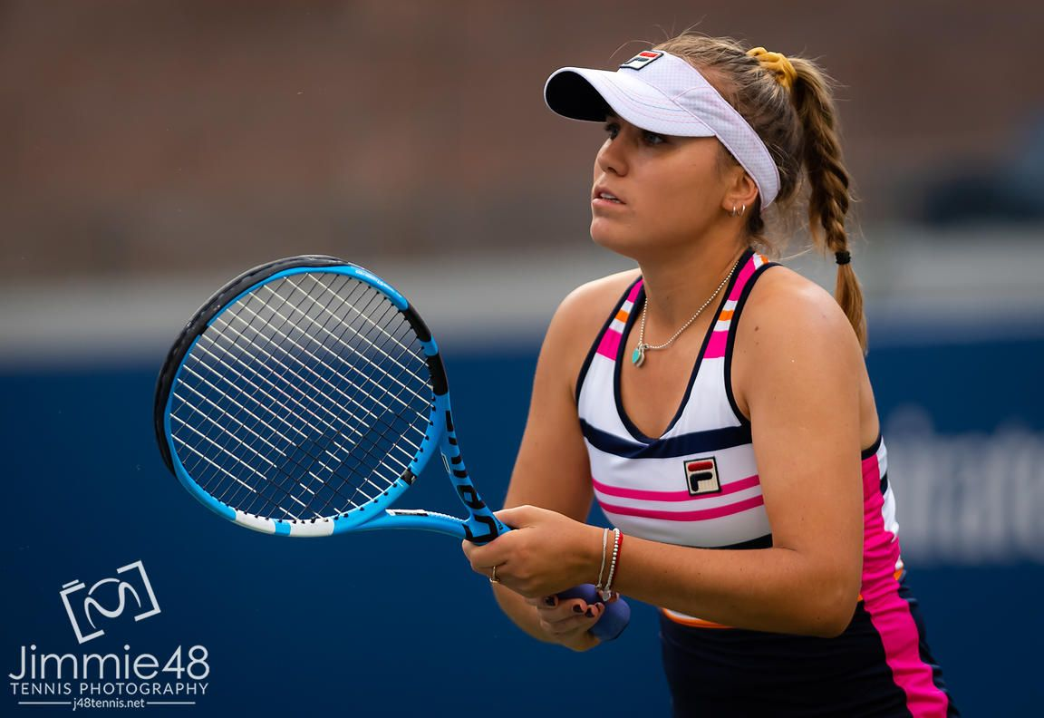 Sofia Kenin Of The United States In Action During Her First Round Match At The 2019 Us Open Grand Slam Tennis Tourn Tennis Grand Slam Tennis Tennis Photography