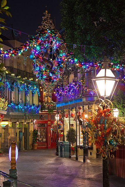 disneyland christmas new orleans square by silver1swa ryan pastorino via flickr - Disneyland Christmas Dates