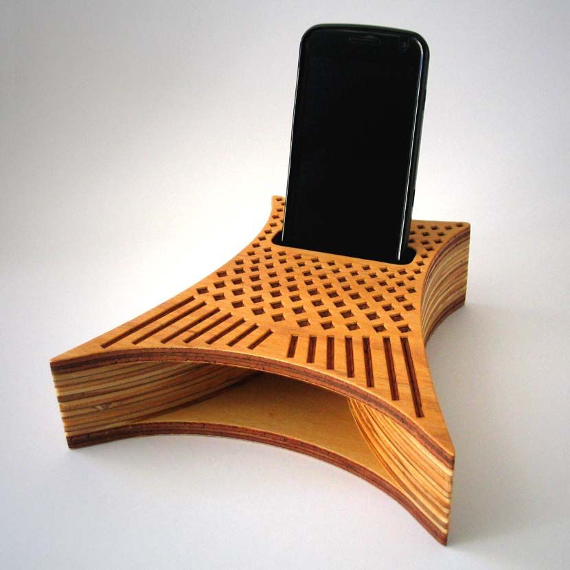Fishtail Soundbox Iphone Speaker Smartphone Stand