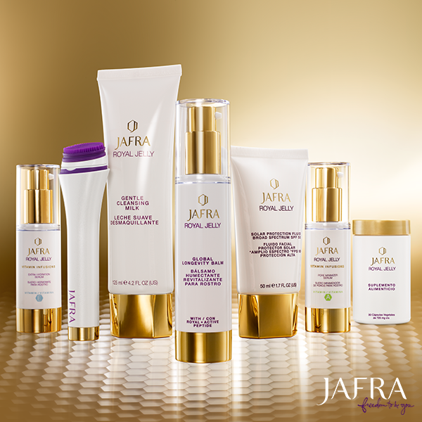 Do You Have Dry Sensitive Skin Jafra Royal Boost Will Add Hydration To Your Skin Care Routine In 4 Simple Steps Dry Sensitive Skin Skin Care Skin Gel