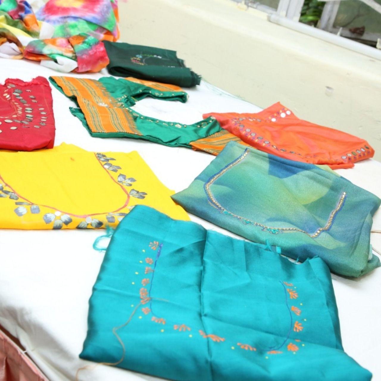 Handmadedresses Handicrafts Craftexhibition Handmadejewelryforsale Artsandcrafts Studentworks Artexhibition Fashion Contact Career In Fashion Designing