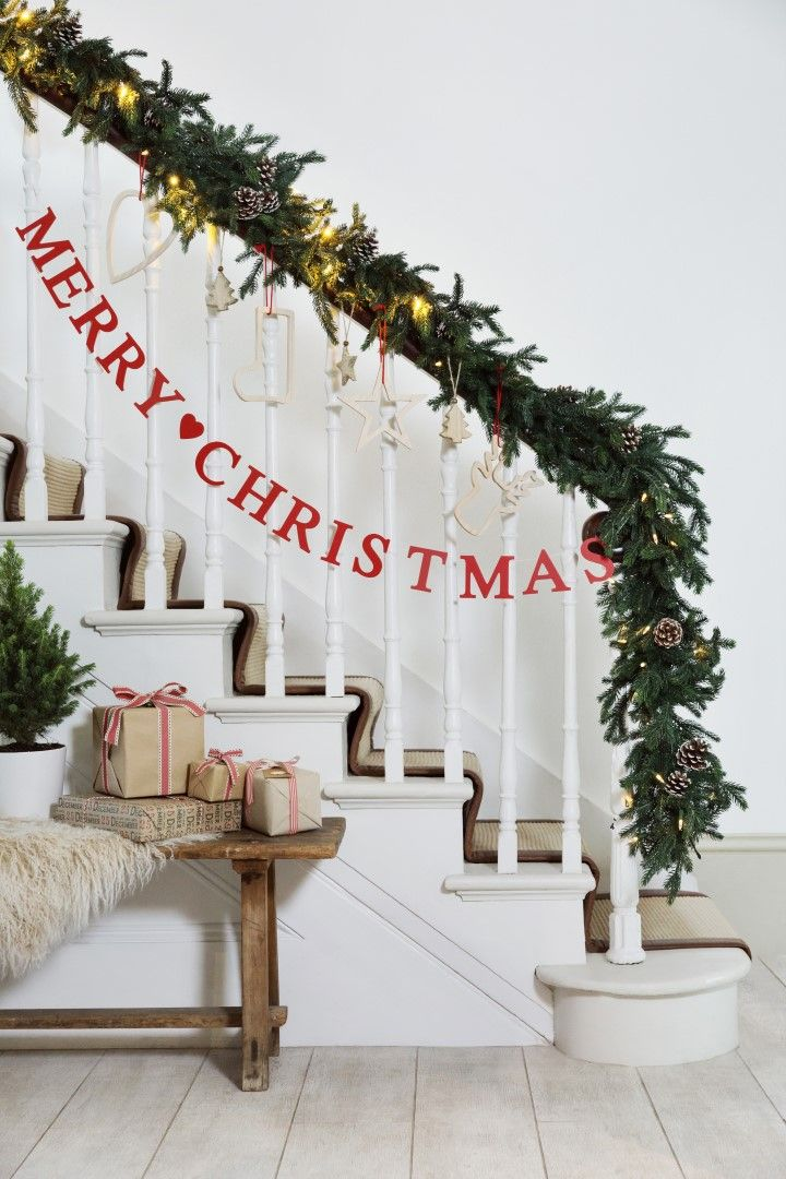 christmas banister christmaslove pinterest christmas christmas decorations and holiday
