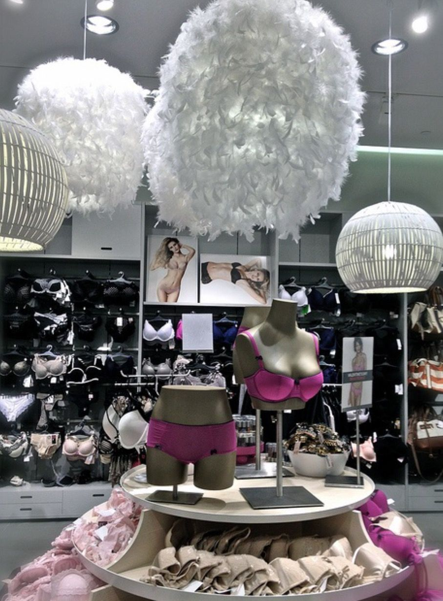 d341f249e Ripley s lingerie baroque concept in Rancagua Chile