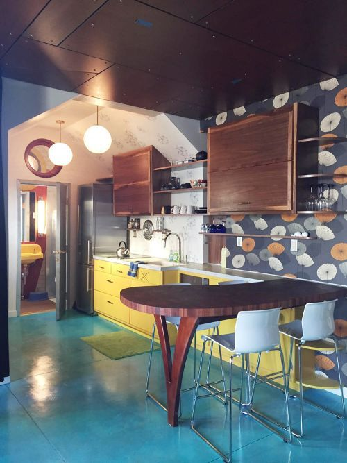 Thomas creates a genius retro modern eclectic office / guest house   Retro renovation, Vintage ...