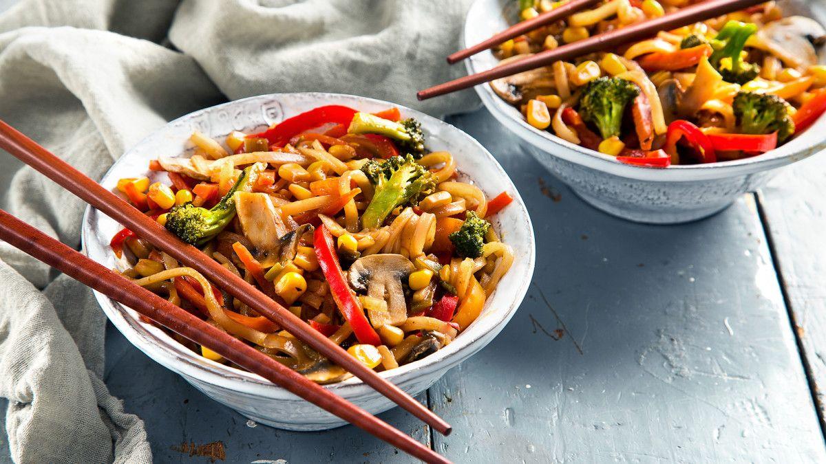 rainbow vegetable chow fun  recipe  vegetarian food