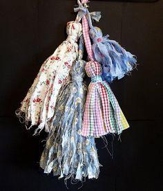Make Shabby Fabric Tassels
