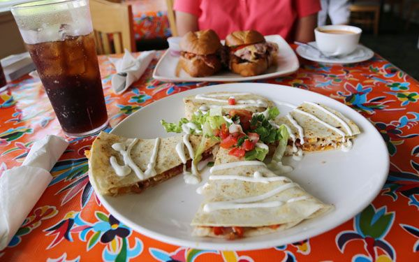 There Are A Variety Of Dining Options And Flavors On Bald Head Island From American To Latin Cuisine In Fine Dining Bald Head Island Beach Cafe Latin Cuisine
