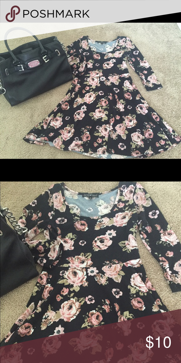 Flower printed dress Like new! Excellent condition mini dress Derek Heart Dresses Mini
