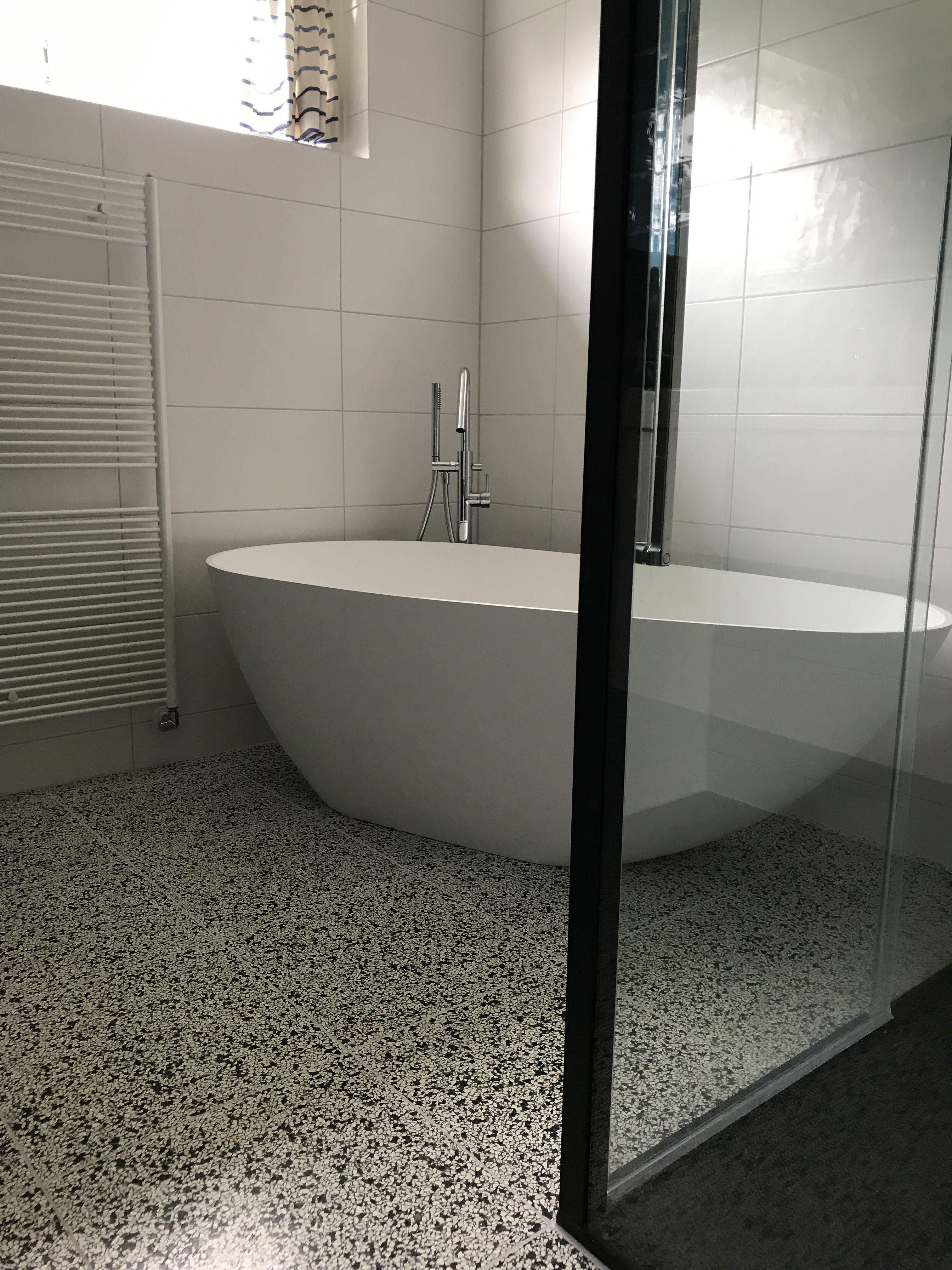 Bad Sanitair Luxe Badkamer Met Maatwerk Meubel En Corian Bad Het