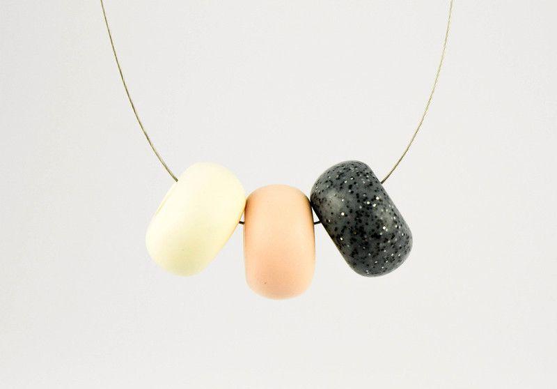 Colliers - Kette mit Fimo-Perlen, 50 cm, silber - ein Designerstück von mircat…
