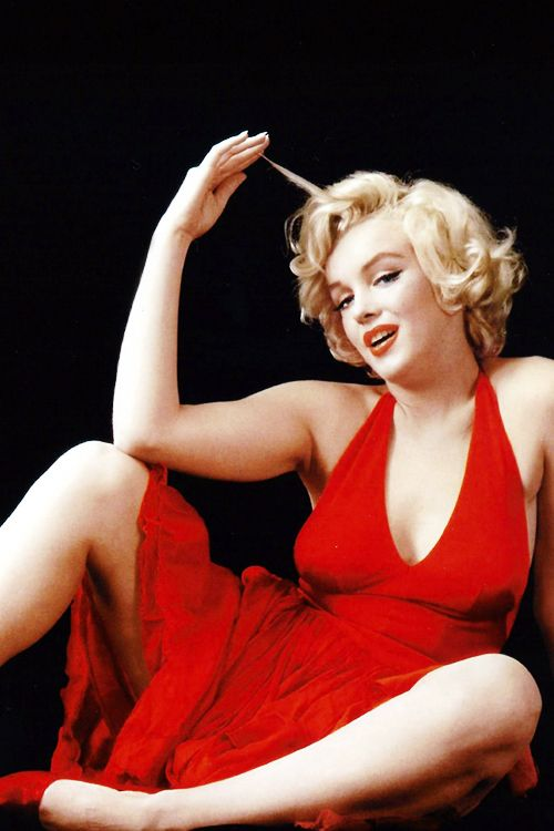 classicblondes � marilyn monroe photographed by milton